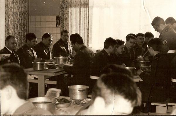 Праздничный обед (у окна вдалеке главком).